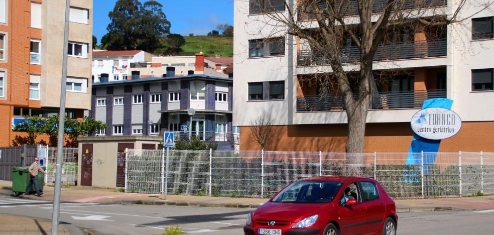 El alcalde de Gozón garantiza la continuidad del geriátrico de Luanco