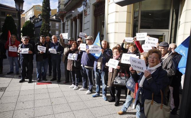Protesta por el cierre de sucursales