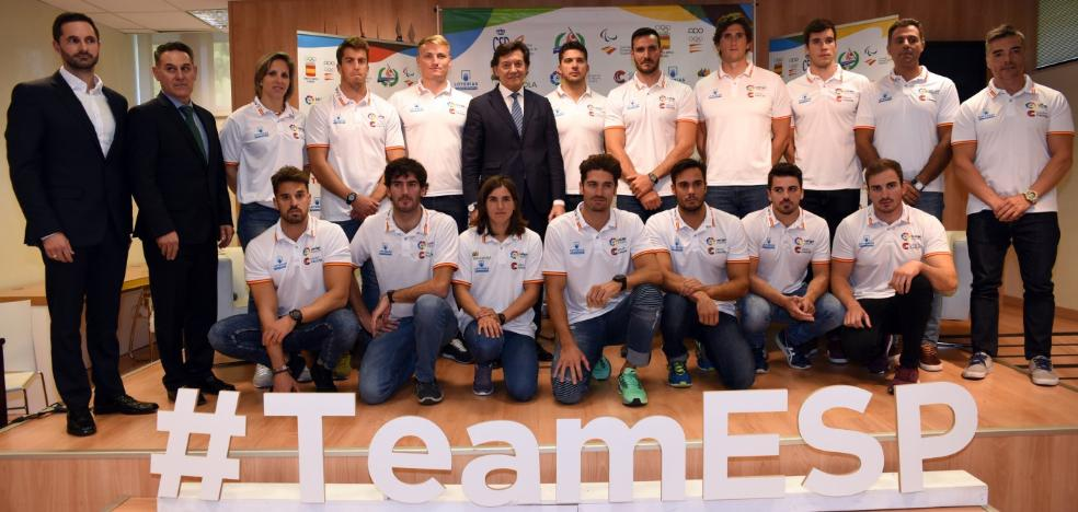 Homenaje al equipo nacional en el CSD