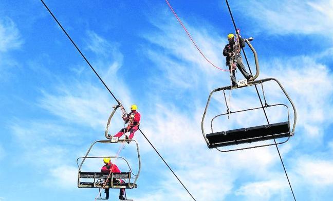 Un rescate en las alturas en el remonte del Brañillín