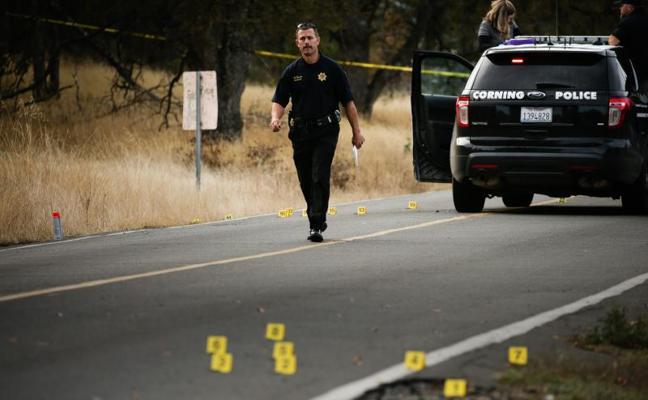 Hallan el cadáver de la esposa del autor del tiroteo en un pueblo de California