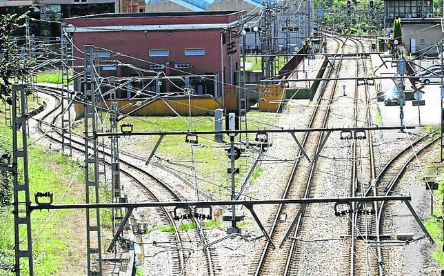 Asturias al Tren propondrá servicios semidirectos entre la Pola y Gijón