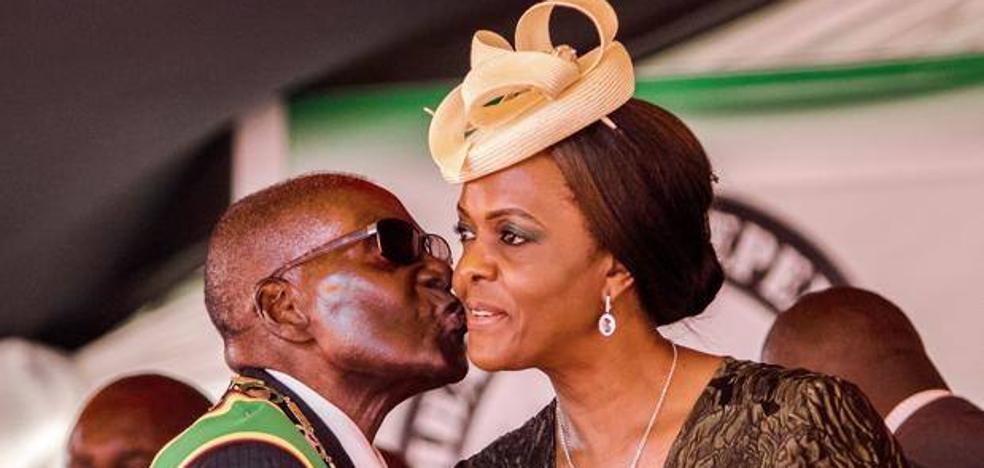 La vida de lujo de Grace Mugabe, la derrocada primera dama de Zimbabue