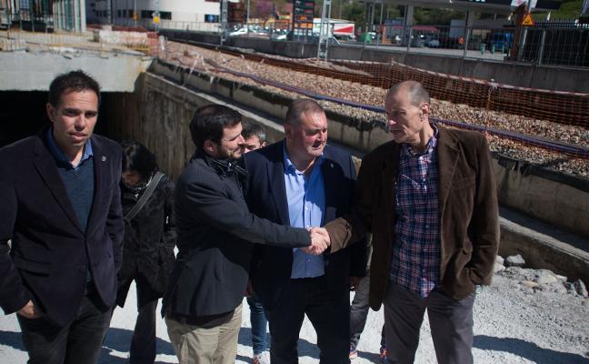 Argüelles a Garzón: «No pondremos en riesgo la economía de IU de Asturias»