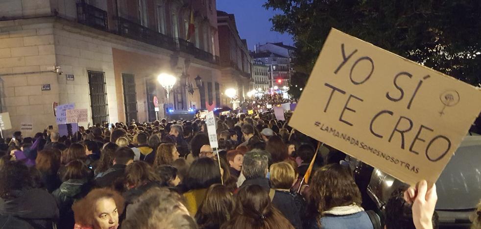 «Yo sí te creo», Madrid grita contra la «justicia patriarcal» en apoyo a la víctima de 'La manada'