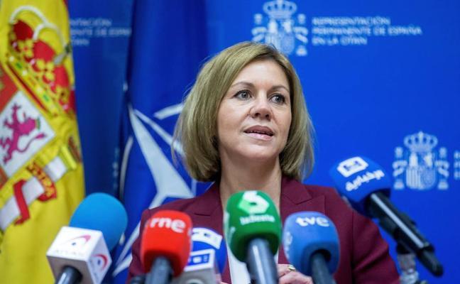 Cospedal, víctima de una broma en la que le aseguran que Puigdemont es un espía ruso