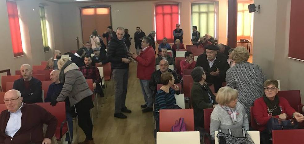 IU de Langreo blinda su asamblea para arropar a sus concejales