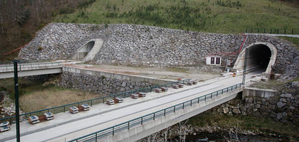 Ciudadanos acusa a Rajoy de traicionar su pacto sobre la variante de Pajares por «un capricho» de Cascos