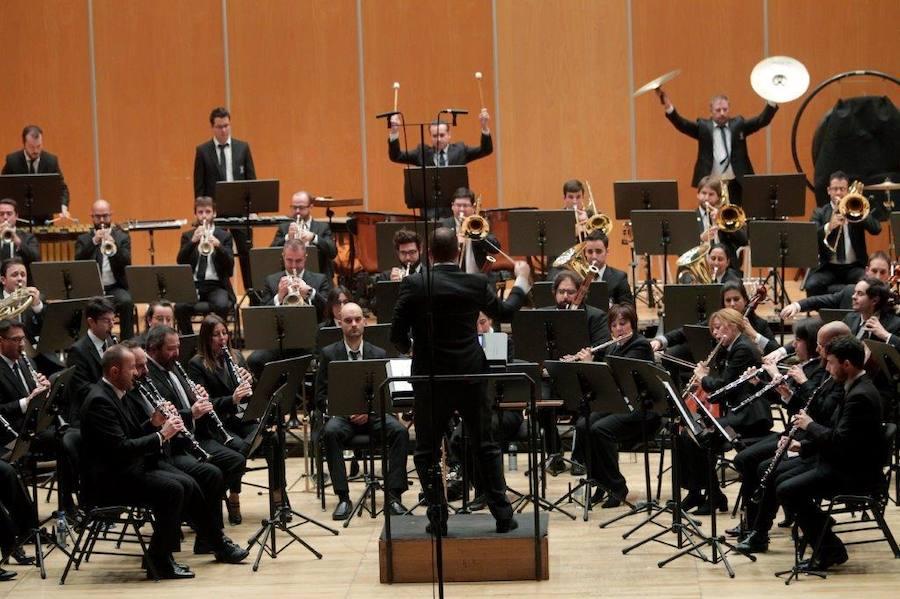 Medalla de plata de Oviedo para la Banda de Música en su 25 aniversario