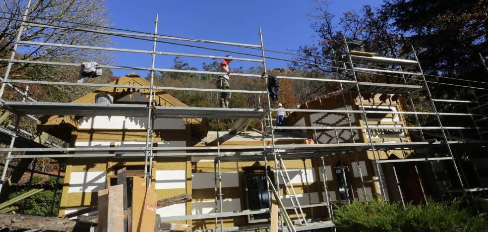 El abad pide la ayuda de mecenas para financiar las obras de Covadonga