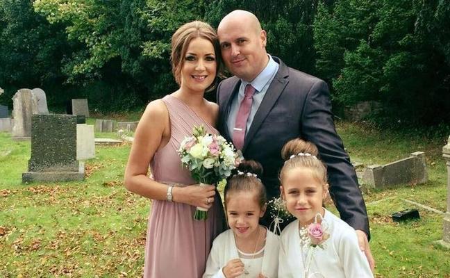 La emotiva historia de dos niñas, de 5 y 8 años, que asumen con total madurez que su madre va a morir de cáncer