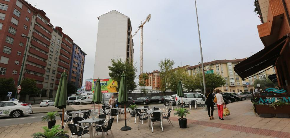 La construcción sigue bajo mínimos, con solo un edificio en El Quirinal
