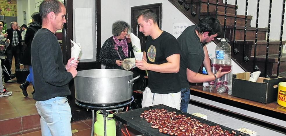 Veinte kilos de castañas en Candás