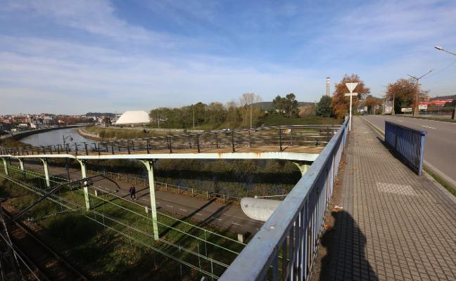 Una pasarela para peatones y ciclistas unirá el paseo de la ría con la nueva Escuela de Arte