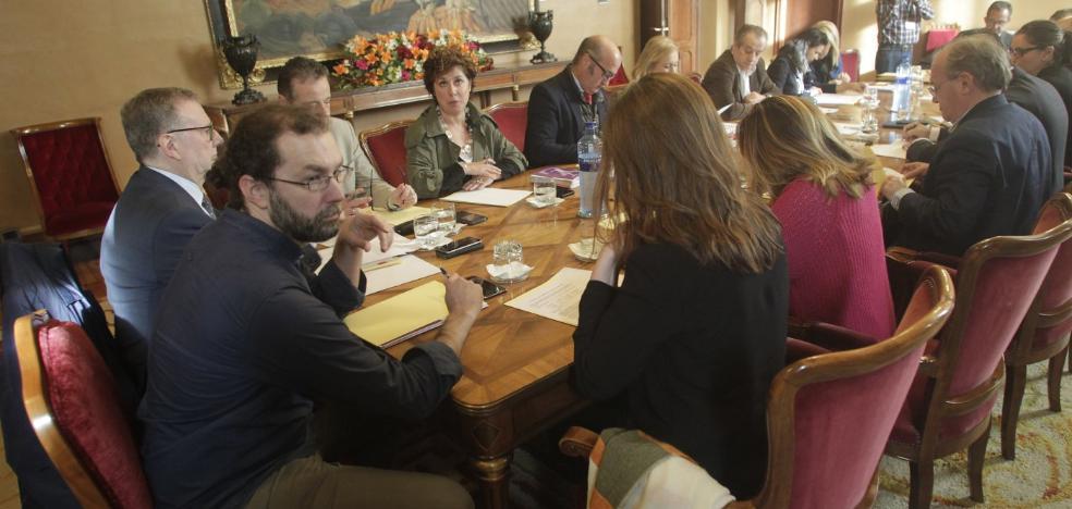 PSOE y Podemos ven margen para un acuerdo tras el registro del presupuesto en la Junta