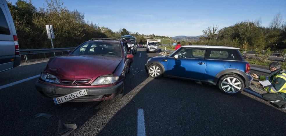 Dos personas resultan heridas en un accidente múltiple a la altura de Piedramuelle