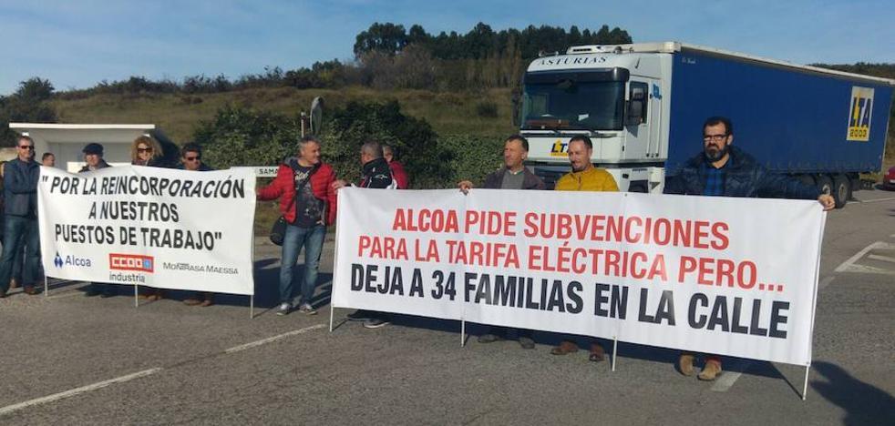 Los extrabajadores de Montrasa vuelven a cortar el tráfico en San Balandrán