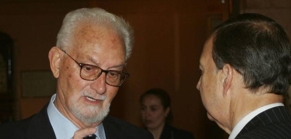 Fallece a los 89 años el investigador asturiano Julio Rodríguez Villanueva