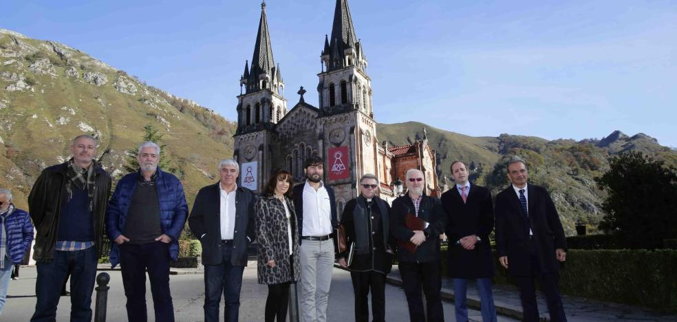 La misa en honor de la Santina, «el mayor homenaje del siglo» a la Virgen de Covadonga