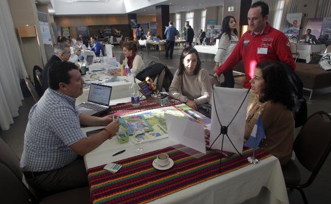 Operadores de 130 países buscan turistas asturianos