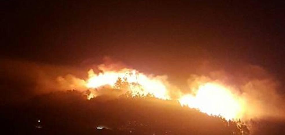 Dos incendios forestales se registran en Corvera e Illas