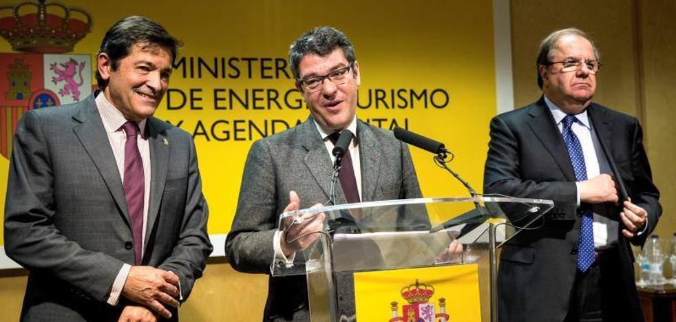 Javier Fernández recuerda que el cierre de Lada supondrá la pérdida de «cien empleos directos»