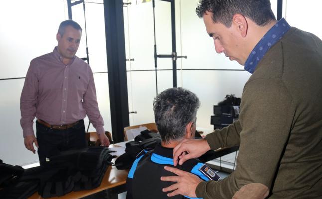 La Policía Local de Siero estrena chalecos antibala