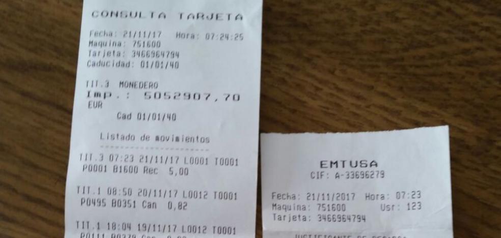 Una gijonesa recarga la tarjeta del autobús con cinco euros y le dan saldo hasta 2040