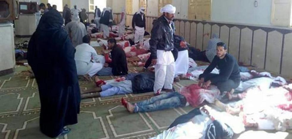 Sube a 270 la cifra de muertos en un ataque en una mezquita en Egipto