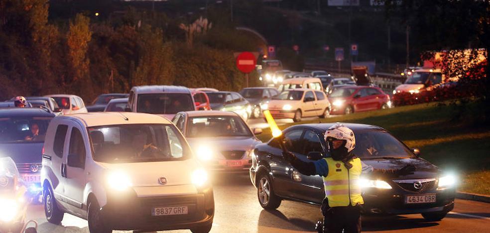 El Principado y el Ayuntamiento se dan un mes para buscar una solución al tráfico de Luis Oliver
