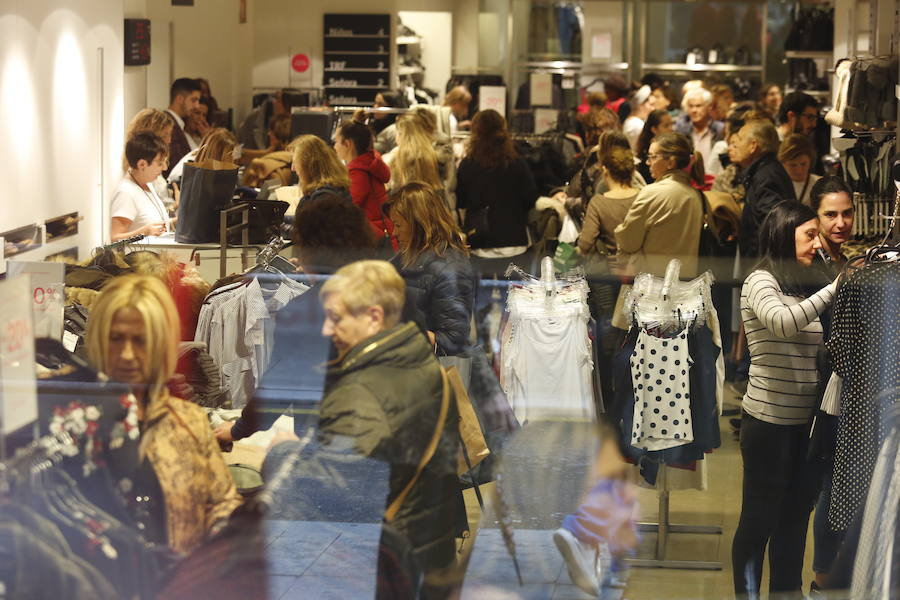 Compras masivas por el 'Black Friday'