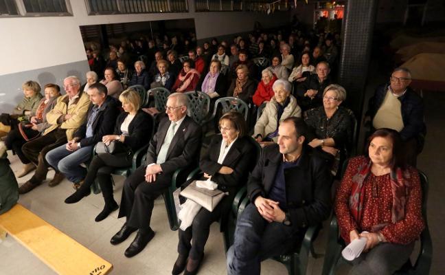 Teatro y homenajes en el Día del Socio en Tremañes