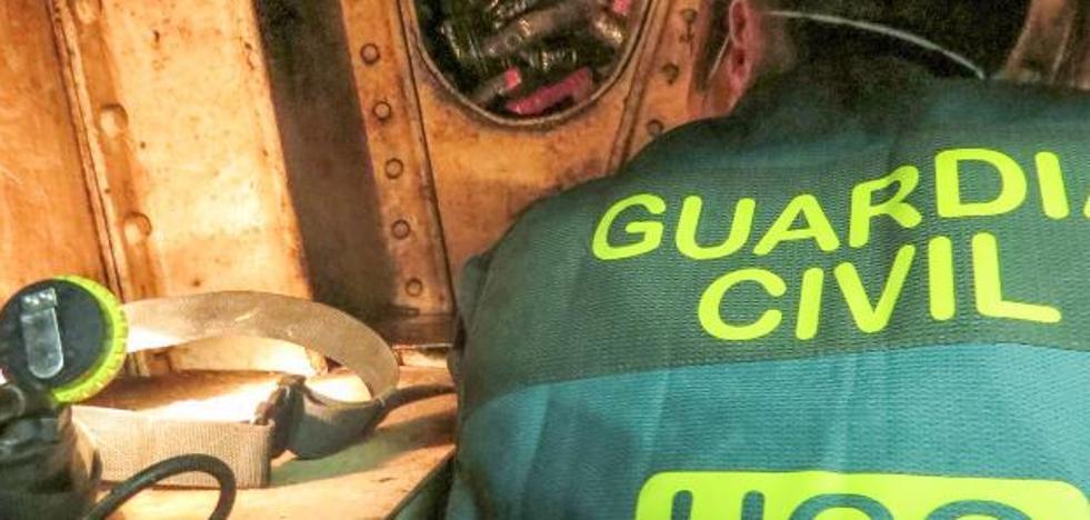 La juez investiga a cinco militares para aclarar quién metió la droga en el 'Elcano'