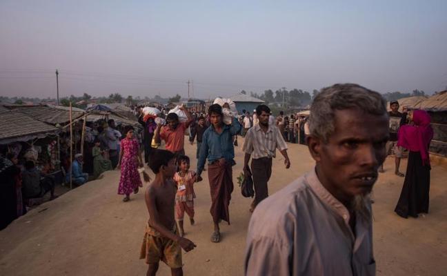 Bangladesh convertirá una isla en hogar temporal para 100.000 refugiados rohingya
