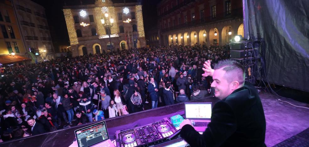 Los hosteleros de la plaza Mayor de Gijón renuncian a organizar la fiesta de Nochevieja