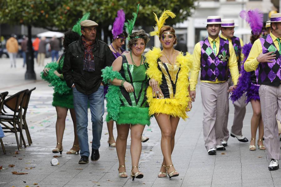 El paseo de Begoña de Gijón se convierte en Nueva Orleans