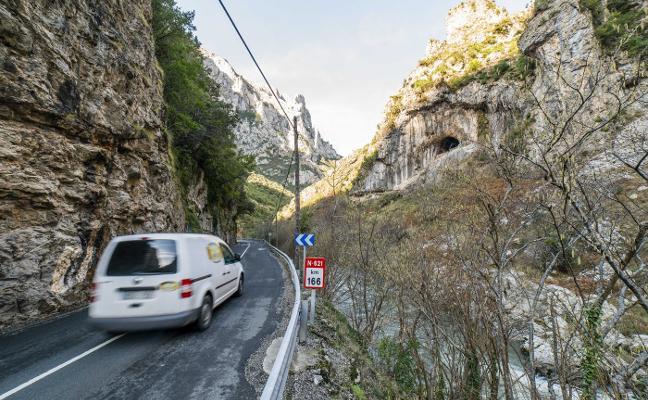 Fomento destinará 60 millones a la carretera del Desfiladero de La Hermida
