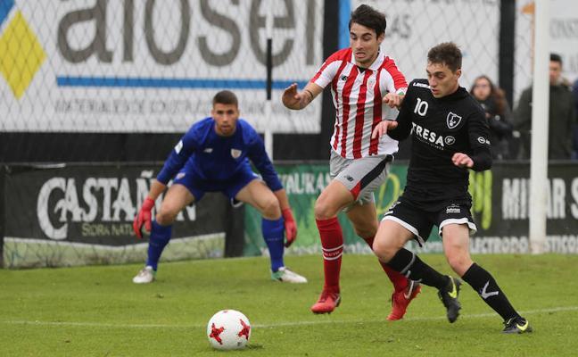 El Lealtad cede en los minutos finales ante el Bilbao Athletic