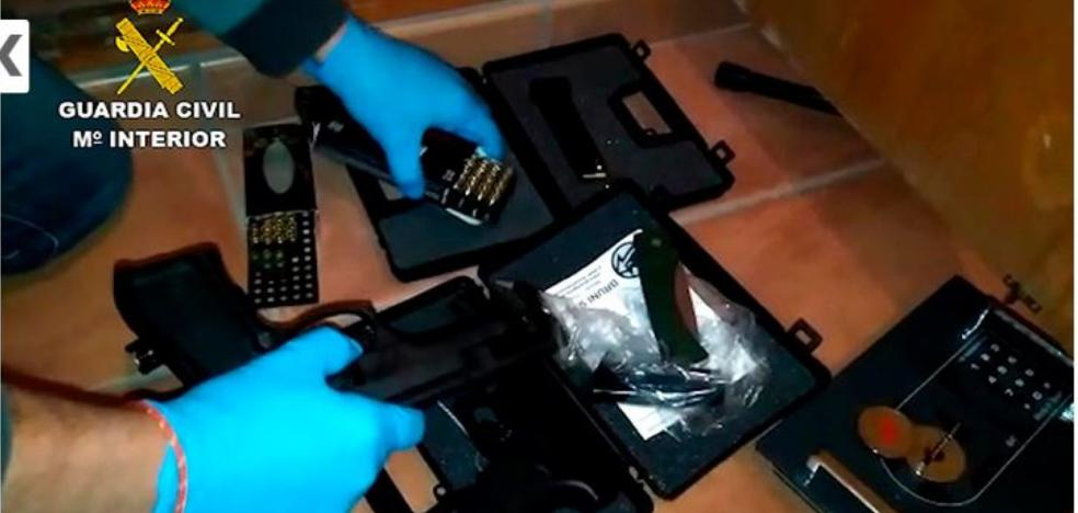 Incautan machetes y bujías pistola en una operación contra el tráfico de armas