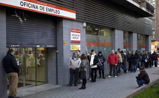 La estacionalidad del sector servicios eleva el paro en 7.255 personas en noviembre