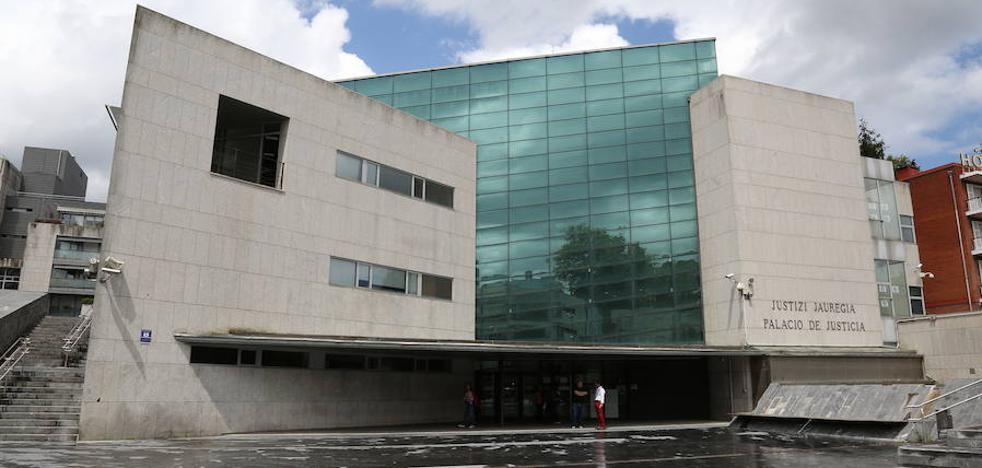 «El error es no haberle cortado la cabeza a mi mujer», dice un condenado por maltrato en Irun