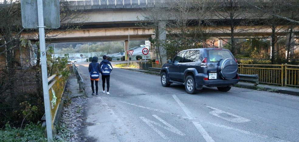 Solicitan una autorización a la Confederación Hidrográfica para ampliar el puente de El Bayu