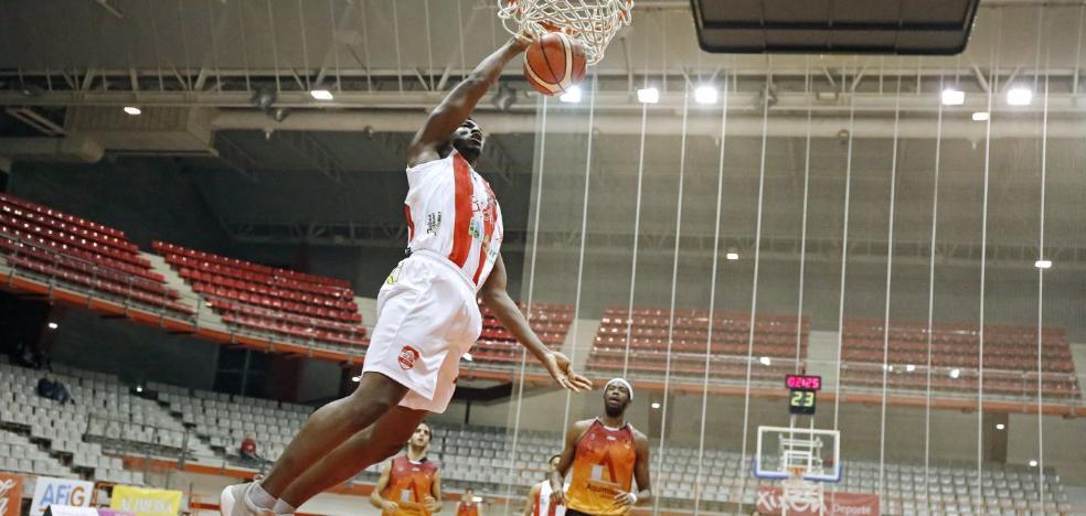 El Gijón Basket se exhibe ante el Carbajosa y se pone segundo
