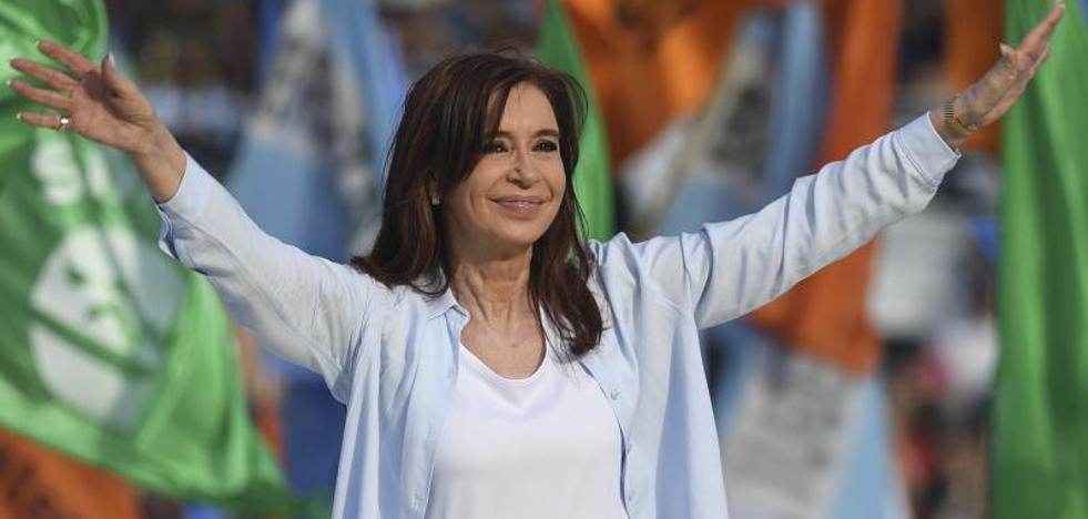 El juez pide la detención de la expresidenta argentina Kirchner por encubrir terroristas