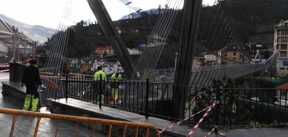El puente colgante de Cangas será menos resbaladizo