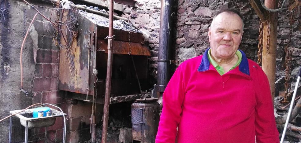 Unas brasas sin apagar calcinan una caseta agrícola en Obanca