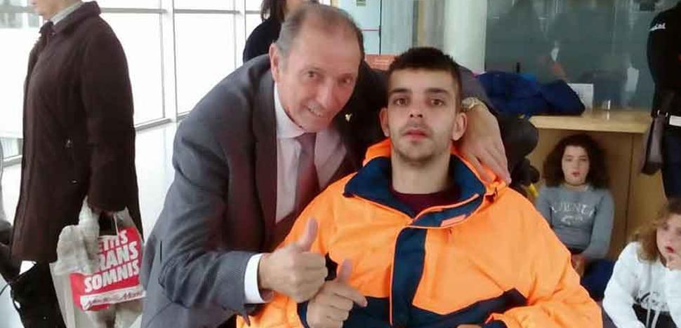 Quini visita a Germán en la clínica de Barcelona en la que se recupera