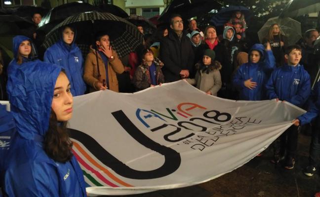 La quinta y deportiva bandera de Navia
