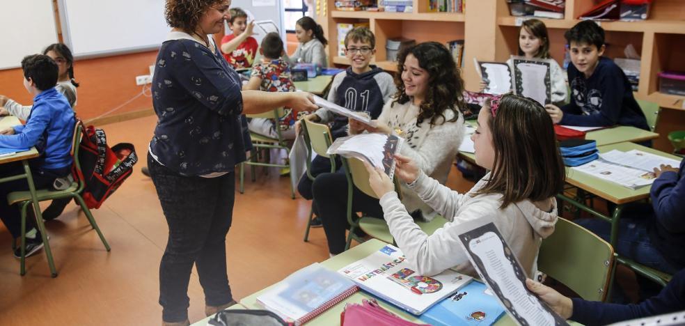 Los 'cuentistas' solidarios del colegio Los Pericones