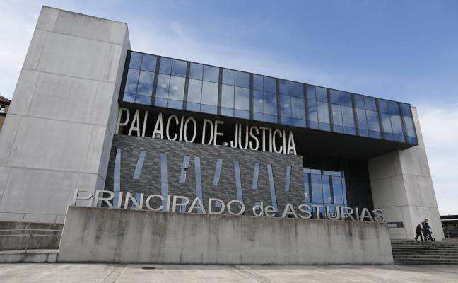 Acepta dos años de prisión por agredir con un vaso a un portero de un pub de Gijón